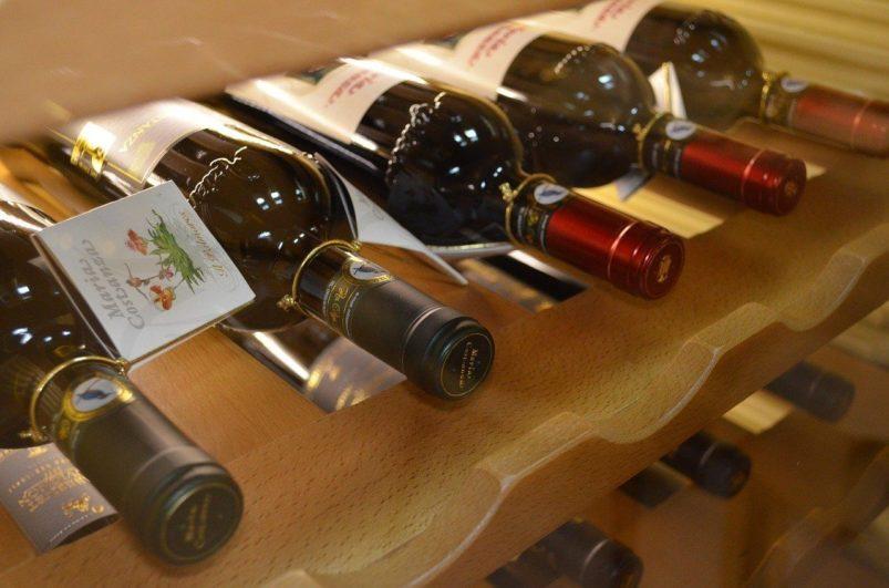 vyberomat.cz wine shelf